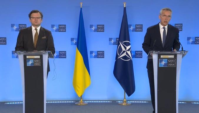 """NATO Genel Sekreteri Stoltenberg: """"Rusya, Ukrayna ve çevresindeki askeri yığınağı sonlandırmalı"""""""