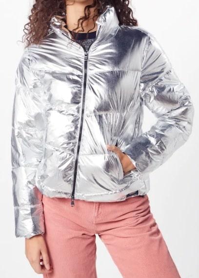 stříbrná dámská bunda, prošívaná bunda