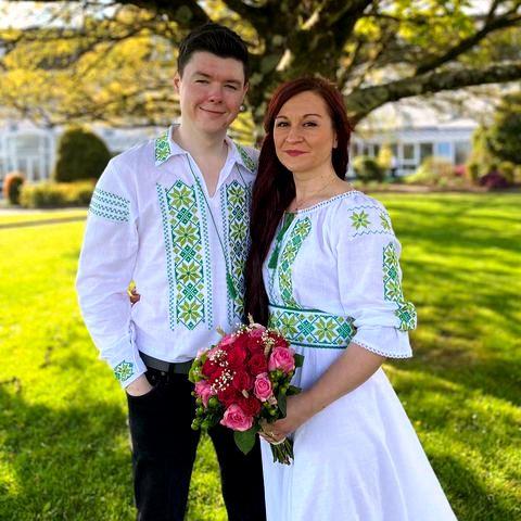 tinuta traditionala nunta