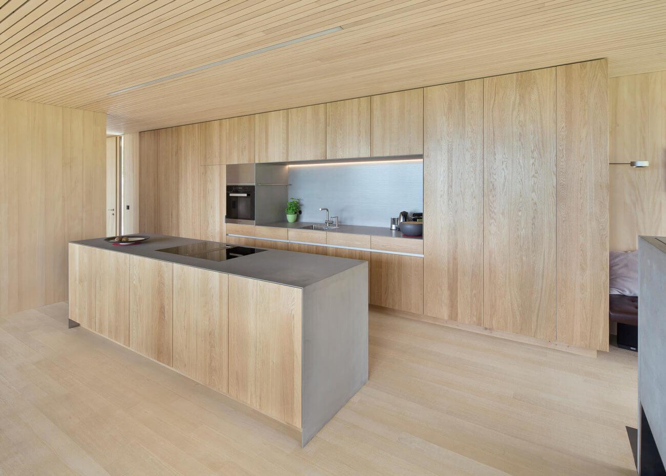 Holz Kuche Mit Kochinsel Spritzschutz Kuche Insel