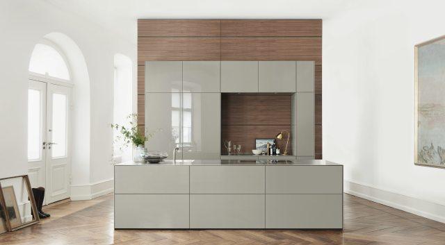 Kratzer in Hochglanz-Küche entfernen: Wie kann ich die Küchenfront  reparieren? - Küchenfinder