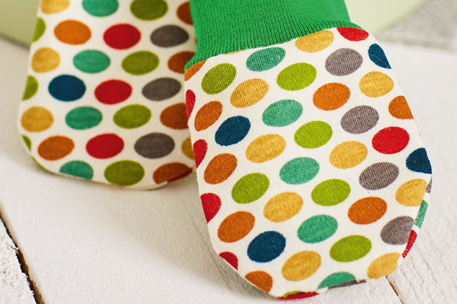 Turbo Endlich: Baby-Handschuhe selber nähen! - Makerist Magazin EG32