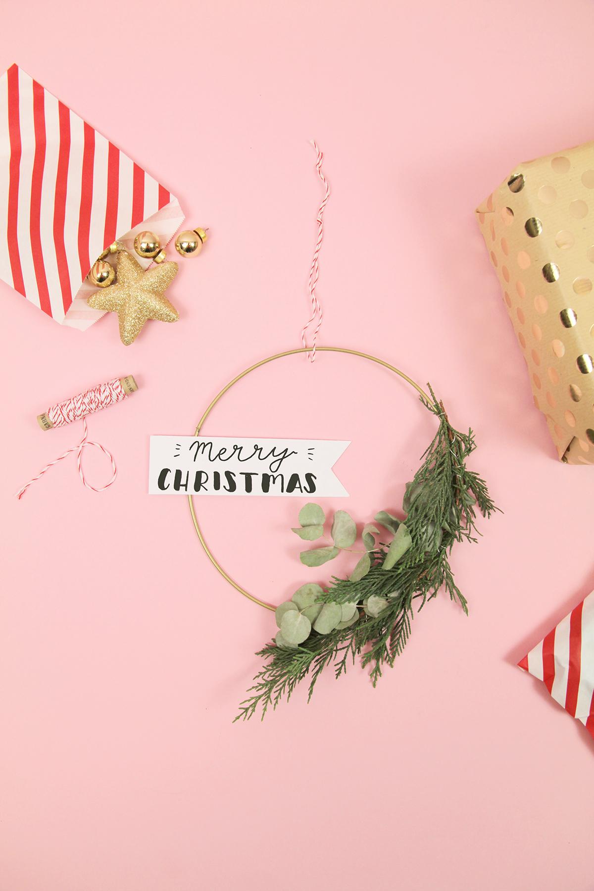 Makerist-Weihnachtsdeko-selbermachen-Eukalyptus-Kranz-mit-weihnachtlichem-Handlettering-basteln-8