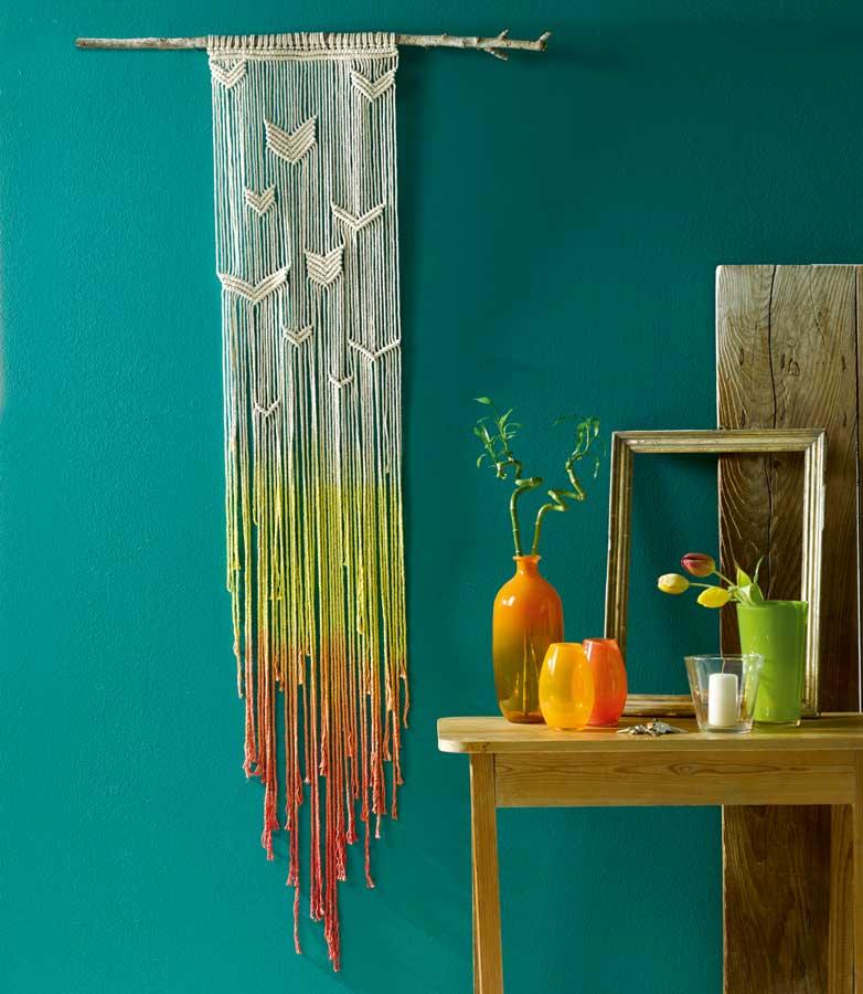 27-Last-Minute-Weihnachtsgeschenke-zum-Selbermachen-Dip-Dye-Wandbehang