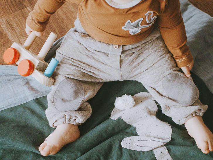 Makerist-Tolle-Naehprojekte-fuer-Anfaengerinnen-17-einfache-Anleitungen-Baby-Basic-Set