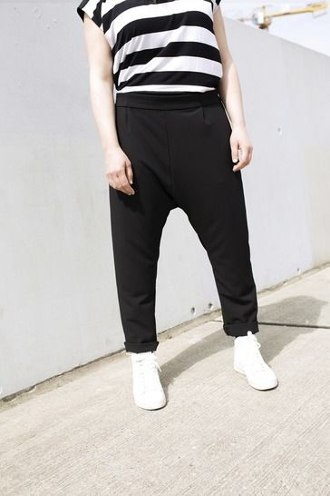 Makerist-gemuetliche-Homewear-selber-naehen-13-tolle-Anleitungen-Elegante-Jogginghose-1