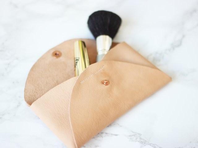 Kostenloses Schnittmuster: kleine Tasche aus Stoffresten nähen