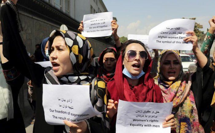 La condizione delle donne nell'Afghanistan dei Talebani: intervista a Renata Pepicelli