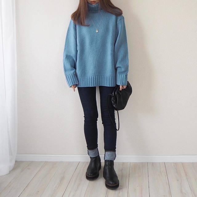 おしゃれな人は【GUのメンズ】を着る。natsumiさんのプチプラコーデ4選/GU(ジーユー)メンズの「タートルネックニット」は色展開がおしゃれ