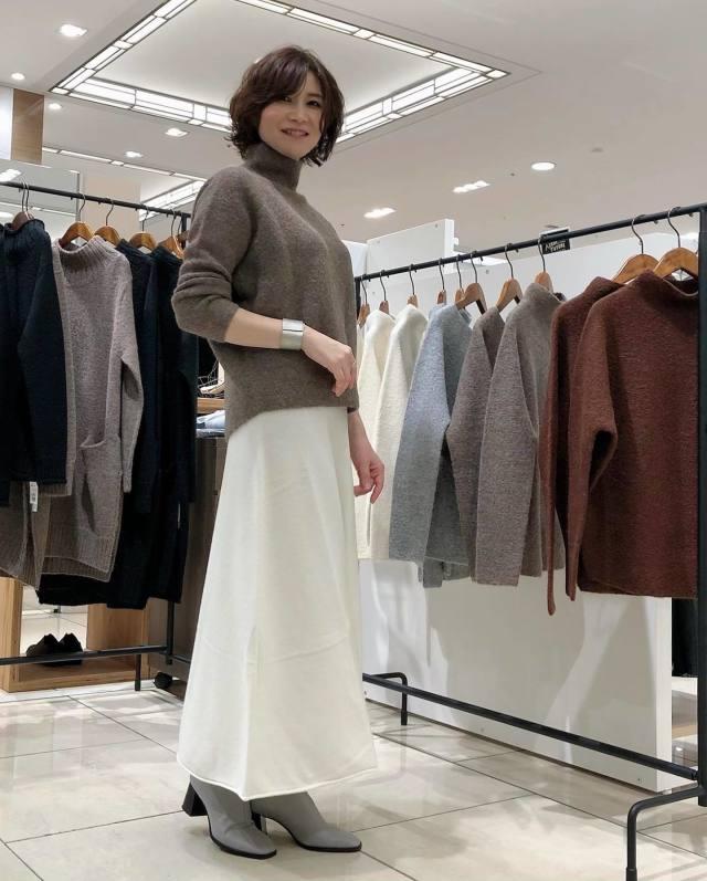 40代50代の女性に似合うのはこんなブーツ! 大人ブーツの選び方と履きこなし方8選♪/40代50代の女性には「つま先がシャープ&低めヒールのショートブーツ」がおすすめ