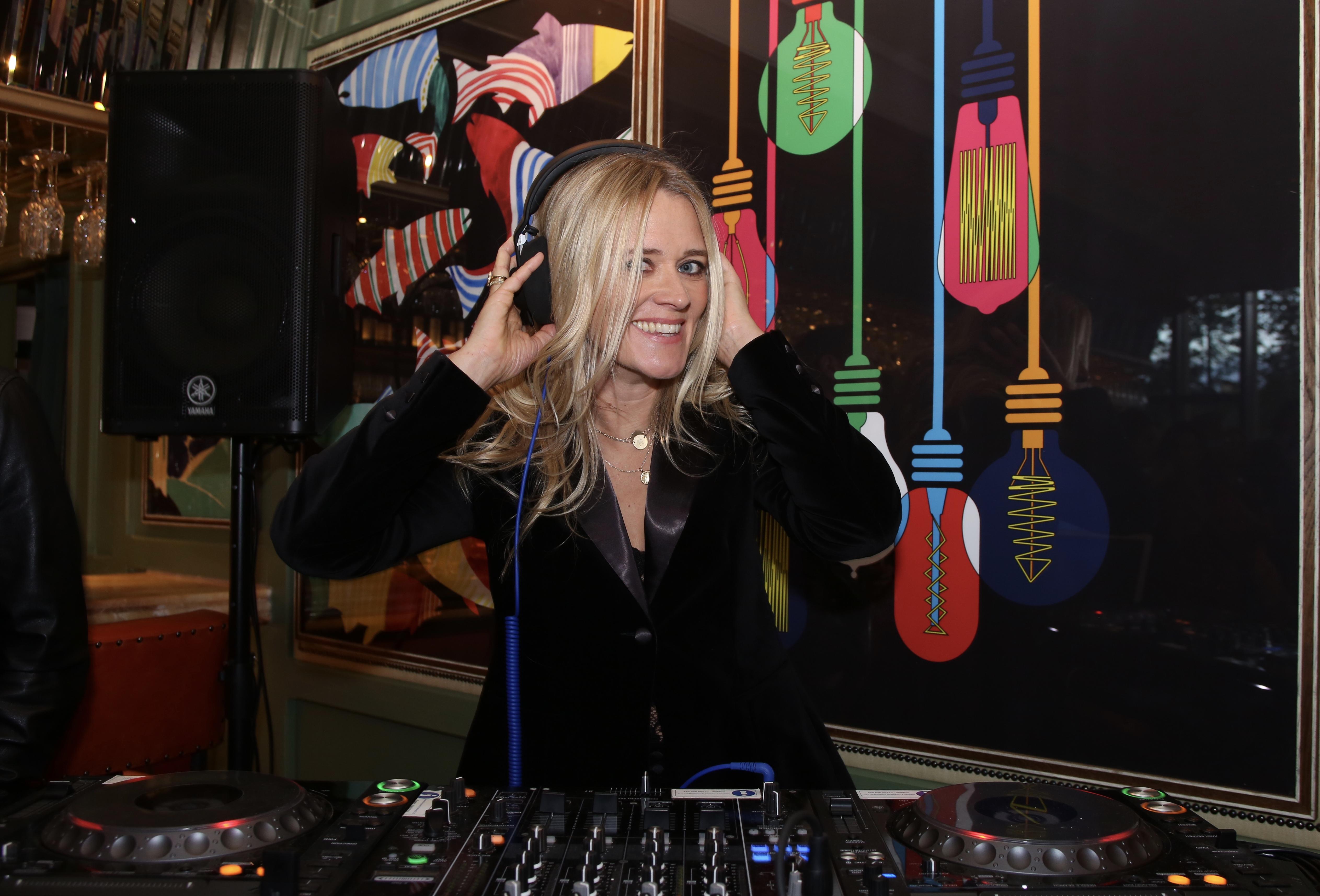 DJ Edith Bowman