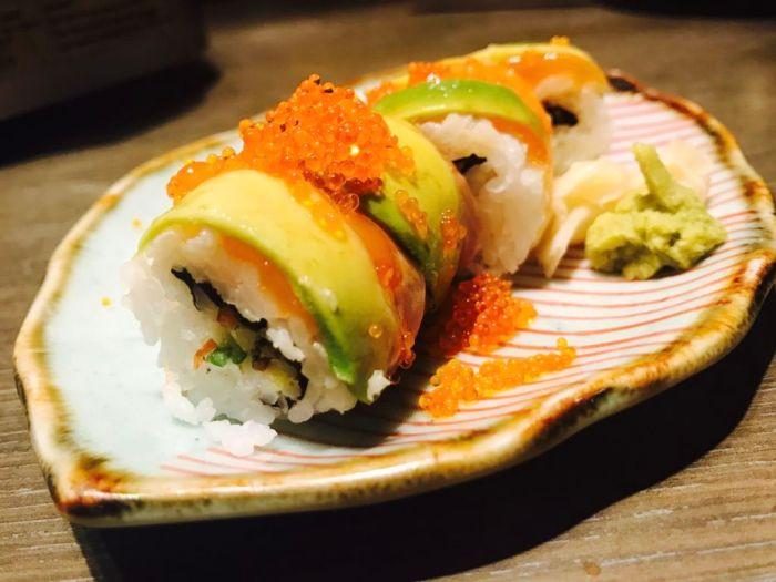 Watami Salmon Avocado Sushi