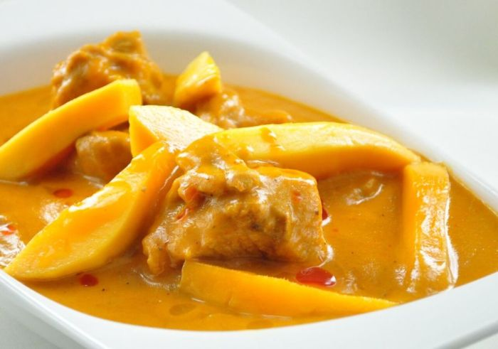 mango-chicken-curry