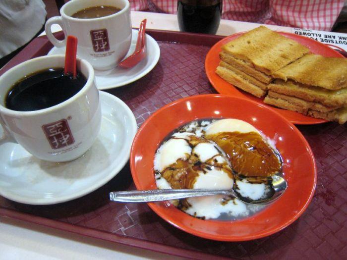 Ya_Kun_Koya_toast,_eggs_and_coffee
