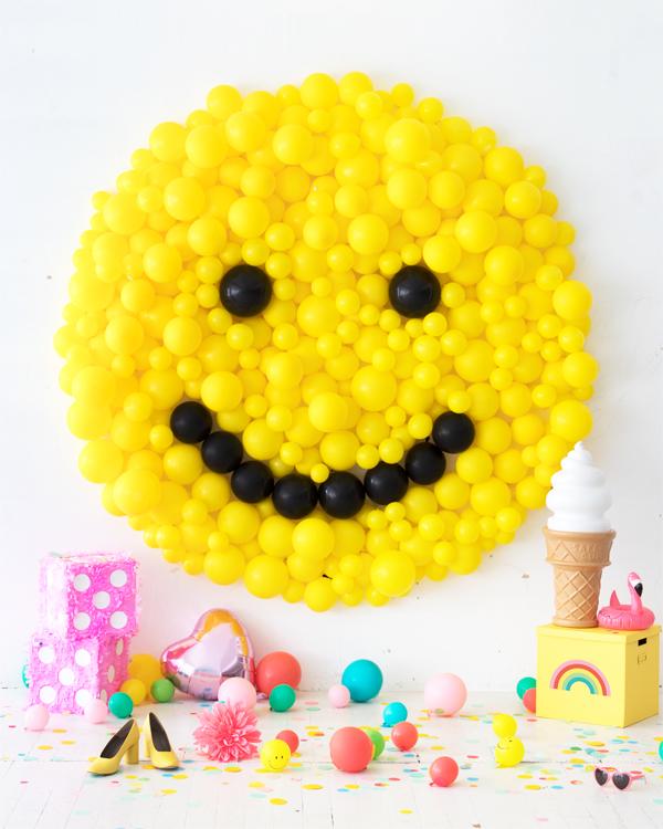 smiley balloon party backdrop