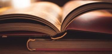 【就活面接対策】「最近読んだ本は?」「おすすめの本は?」、その質問の意図と答え方