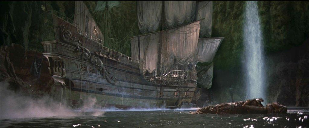 Bâteau des Goonies, maintenant le bâteau pour l'attraction Pirates des Caraïbes à DIsneyland