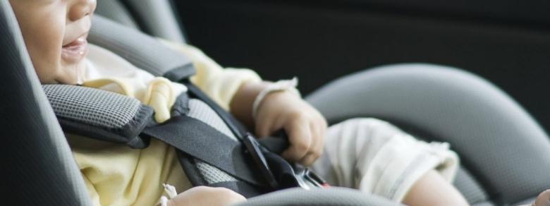 """Gli """"alert"""" per non dimenticare i figli in auto degli asili milanesi"""