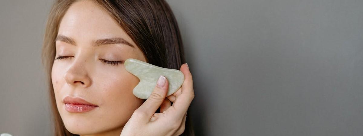 Come prendersi cura del viso nella routine quotidiana