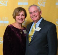 2011 honoree Jim Bertelsmeyer, ChE'66, poses with his wife, Glenda.