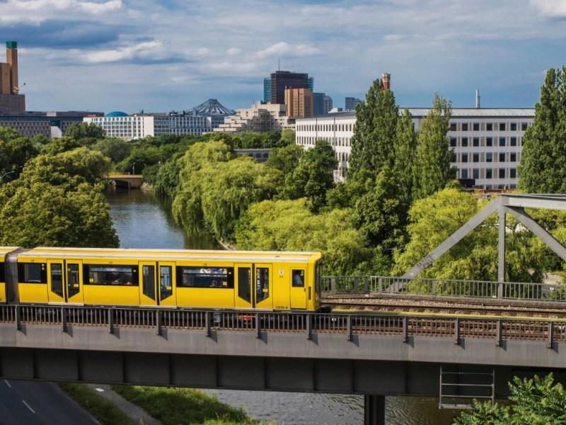 Banner Berlin Train