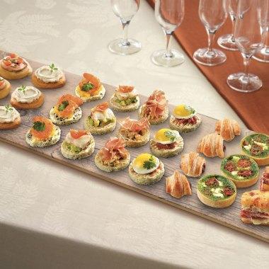 allestire la tavola per l'aperitivo - finger food - tagliere tognana happy hour