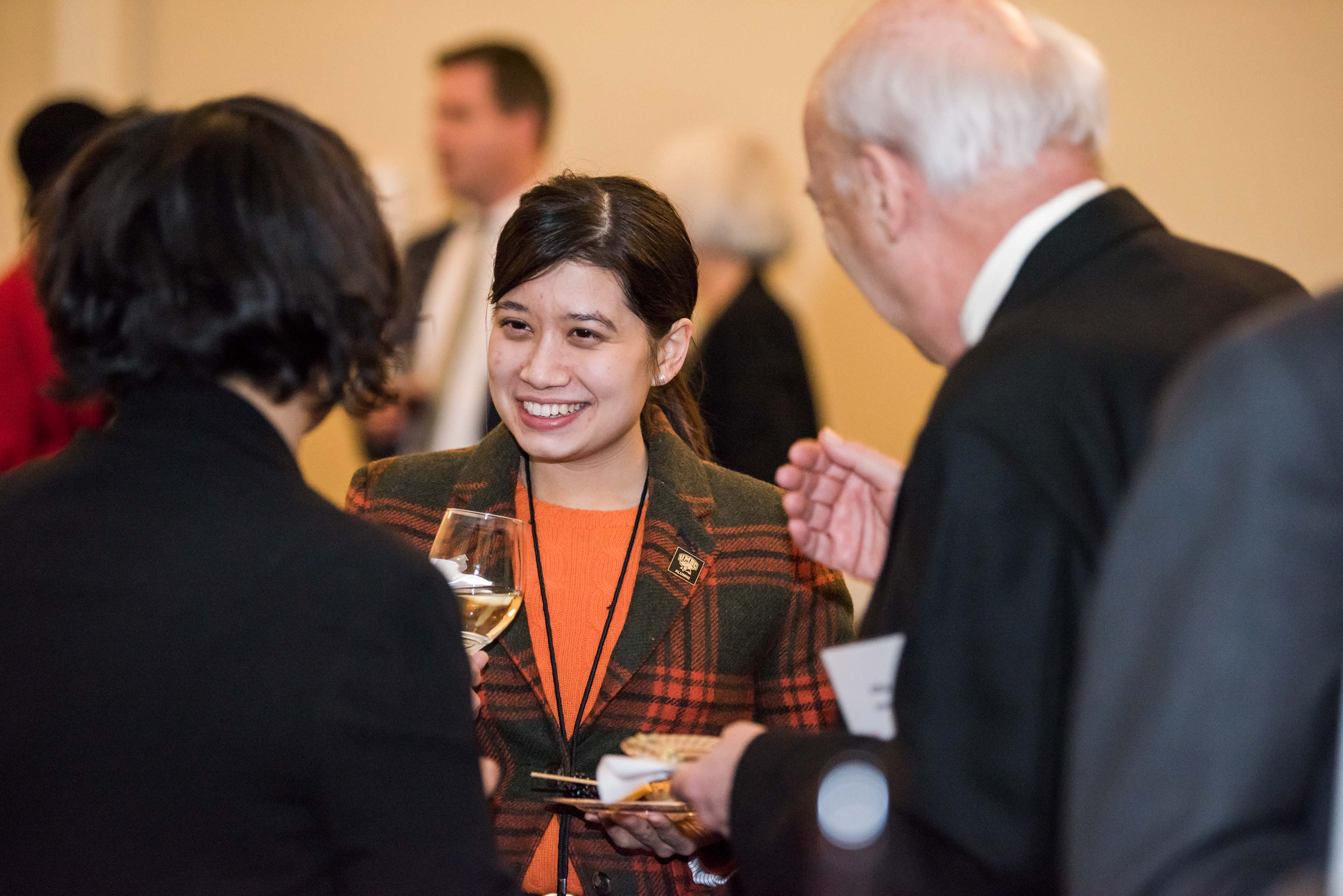 Mingling at Annapolis alumni reception