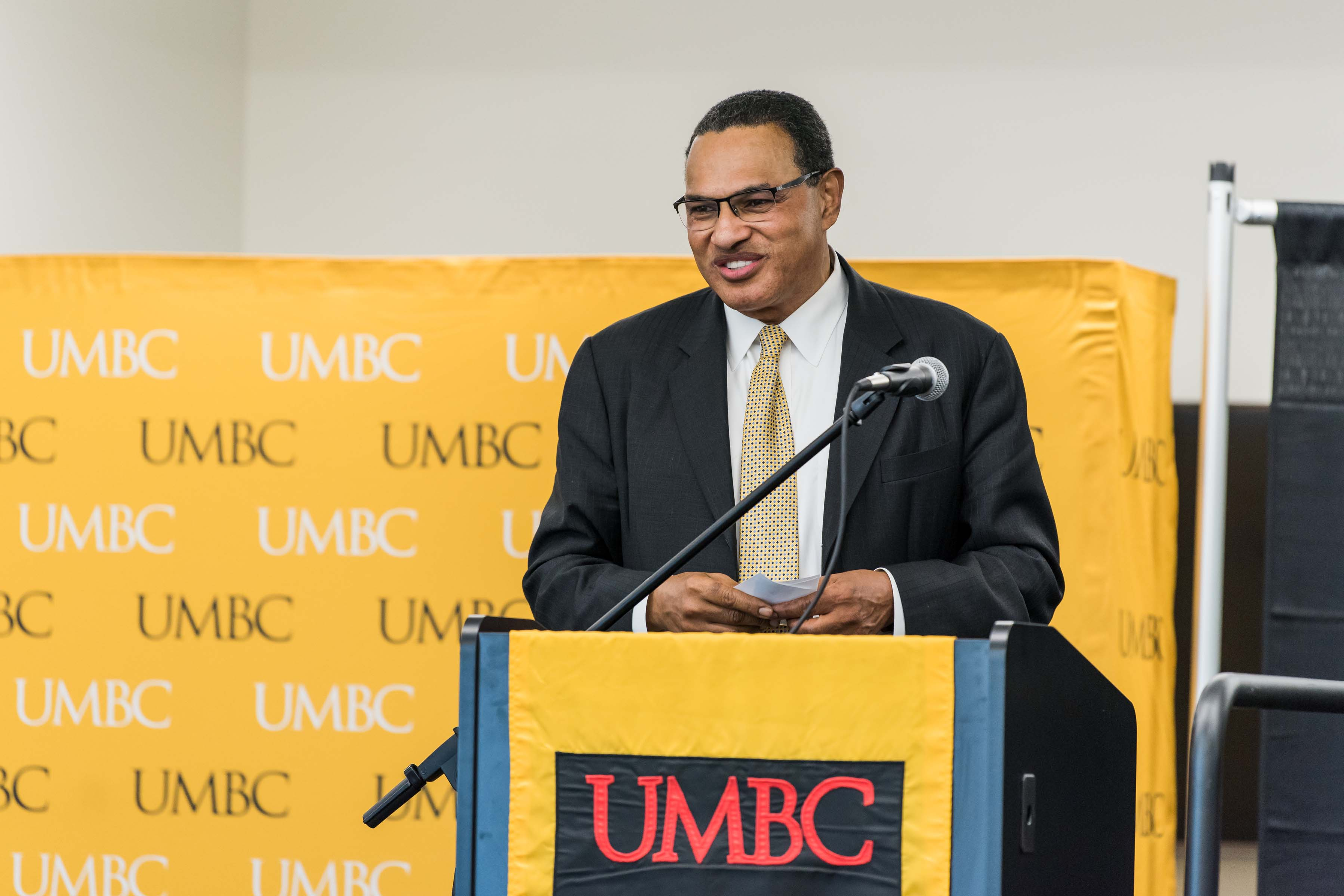 Hrabowski gives speech at Wisdom Institute lunch