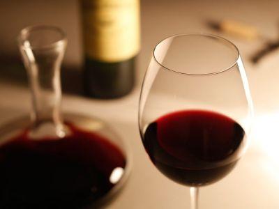 美味しいお肉と美味しいワイン!部屋で簡単オシャレディナーはいかが?[PR]