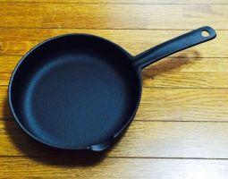 鉄製のフライパンで、美味しい料理を作ろう!