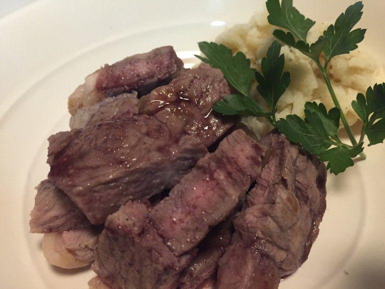 ソテーとワイン 牛肉のソテーボルドレーズソース