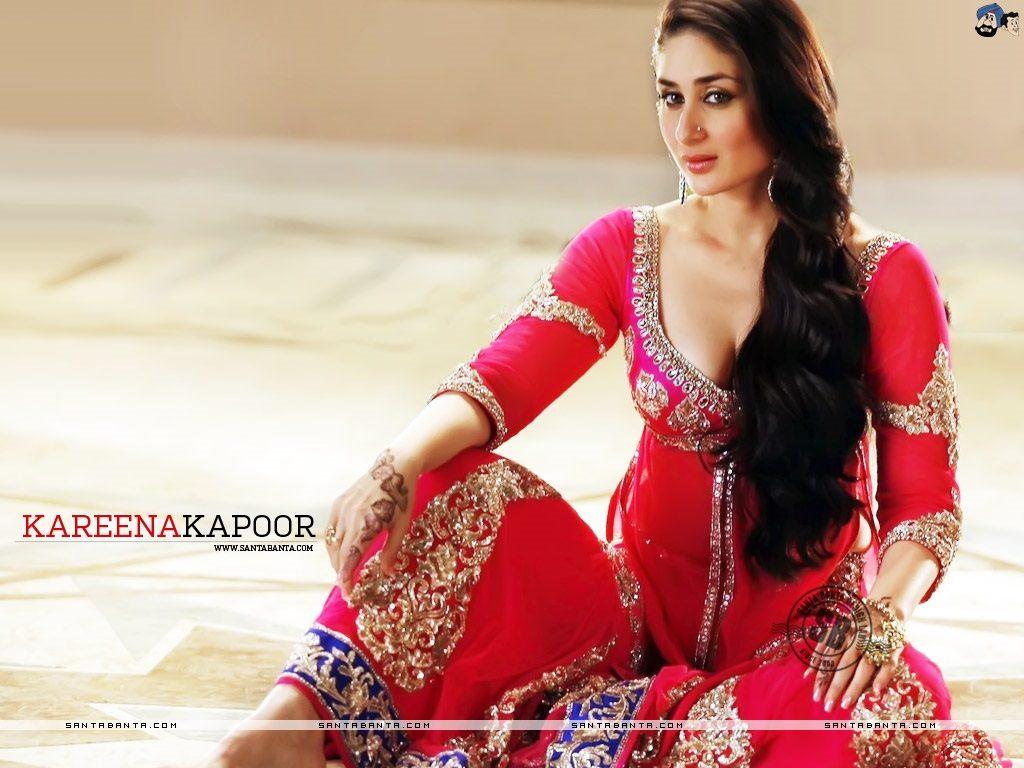 Kareena Cute Wallpaper Kareena Kapoor Wallpapers