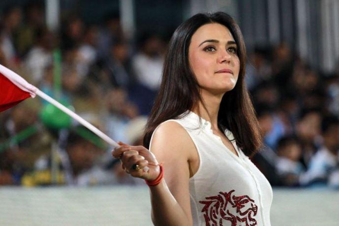 Bollywood Girl Wallpaper Download Preity Zinta Hot Hd