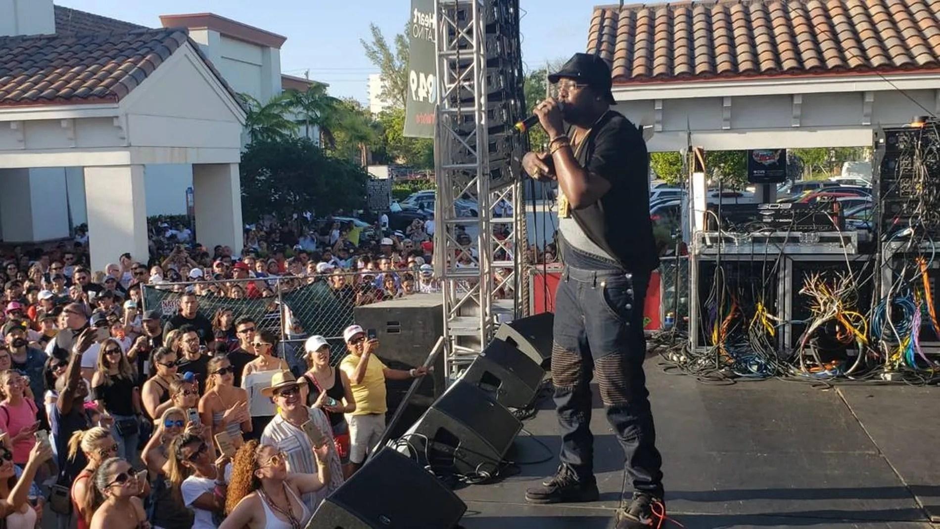 El Micha durante la gira por Cuba que realizó durante a finales de 2018 y comienzos de 2019. Foto: Cortesía del artista.