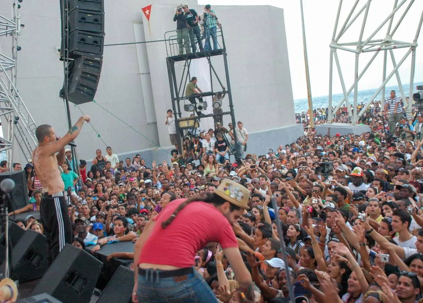 Concert of Calle 13 in the José Martí Anti-Imperialist Tribune, on March 23, 2010. Photo: Kaloian.