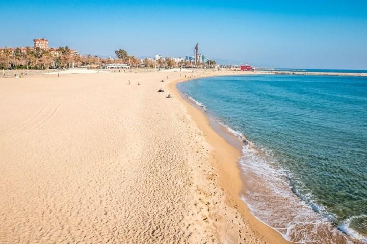 Vista sulla spiaggia di Barcellona