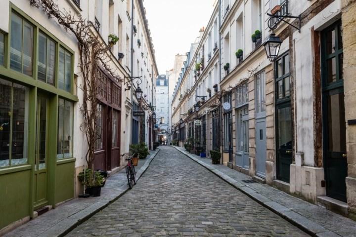 Strada del Quartiere Latino a Parigi, Francia.