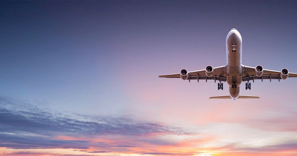 Avion dans le ciel