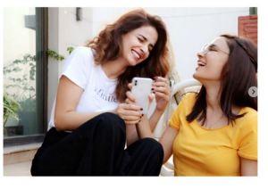 Beautiful Clicks Of Saba Qamar with her Best Friend