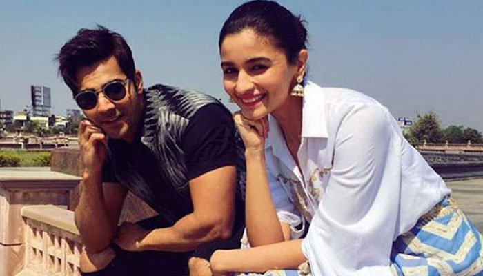 The Film 'Kalank' Shooting Of Allia Bhutt And Varon as Affected By Snakes