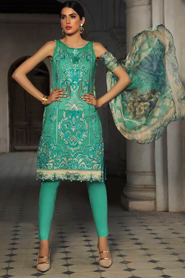 Embroidery Lawn Collection 2018 By Warda Kashmiri (1)
