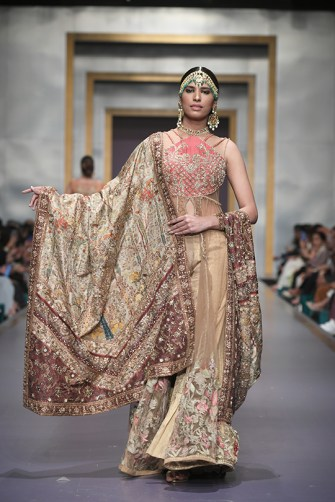 Shiza Hassan day 3 @ fpw 2019 (16)