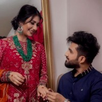 Singer Falak Shabir Romantic Pictures With Sarah Khan