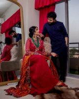 Singer Falak Shabir Romantic Pictures With Sarah Khan (6)