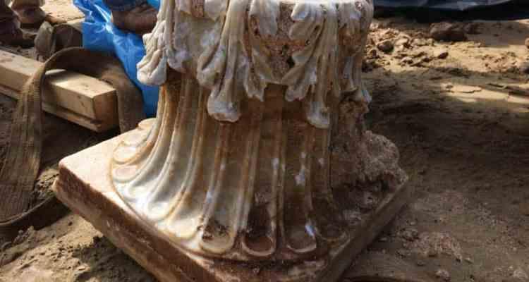 Dalla sabbia della spiaggia di Sperlonga emerge uno straordinario capitello corinzio della prima metà del I secolo