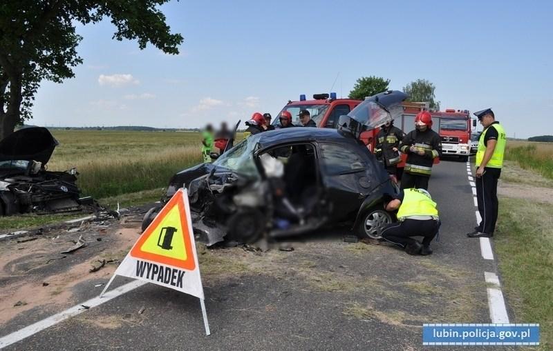 Wypadek na drodze Lubin – Ścinawa. Dwie osoby trafiły do szpitala