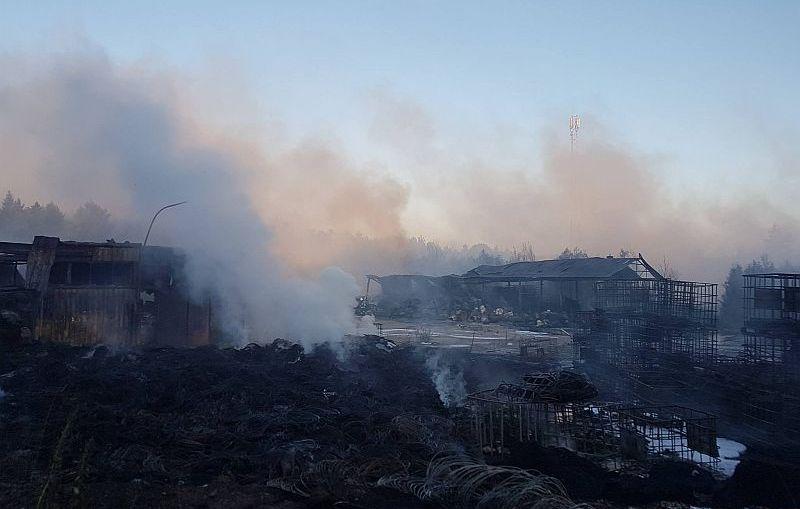 Trwa dogaszanie składowiska odpadów niebezpiecznych w Jakubowie