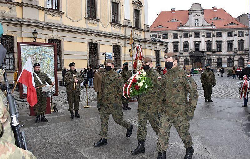 Żołnierze oddali hołd walczącym Powstańcom Styczniowym