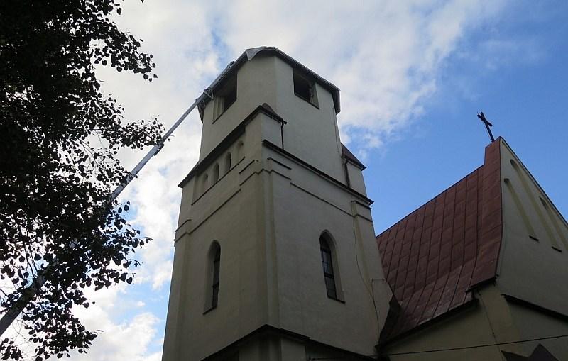 W kościele w Niemstowie znaleziono kapsułę czasu