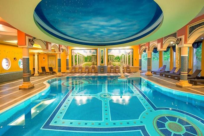 Najlepsze baseny hotelowe - Papuga Park Hotel